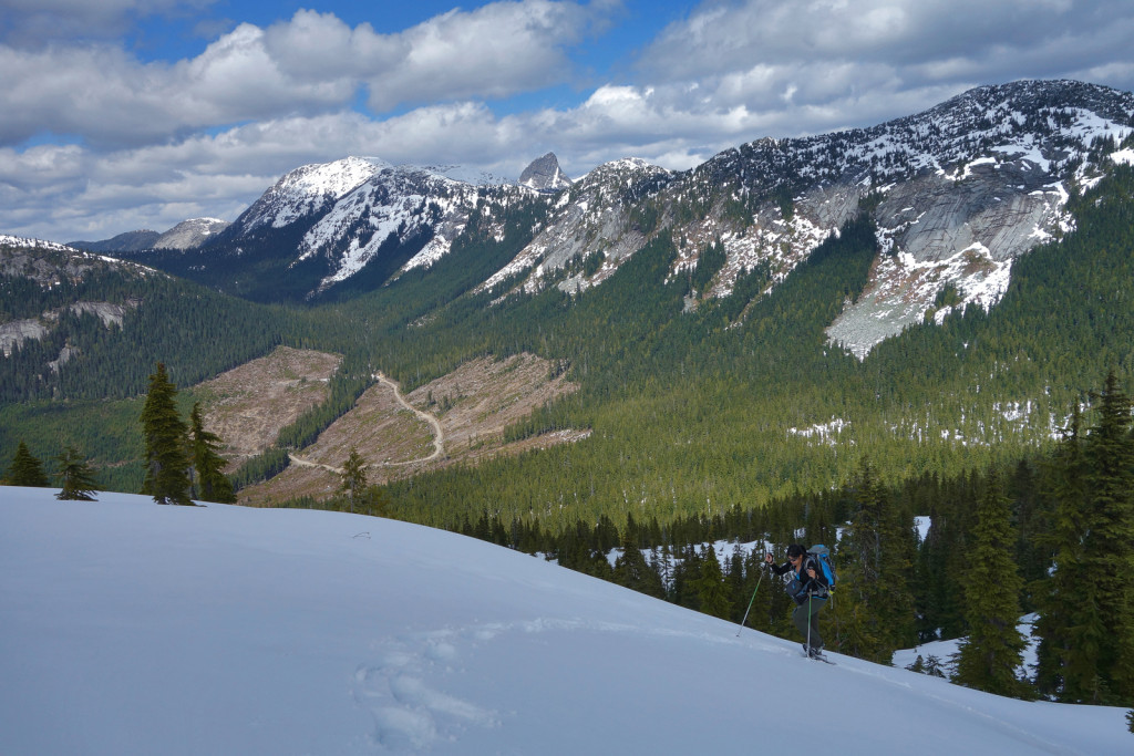 Snowshoeing the Ridge to Iago Peak